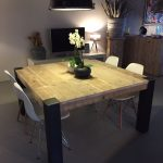 Test table avec pied central design